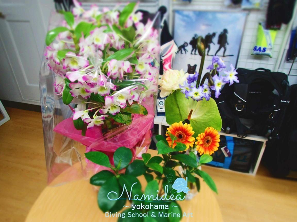 一周年のお祝いでお花