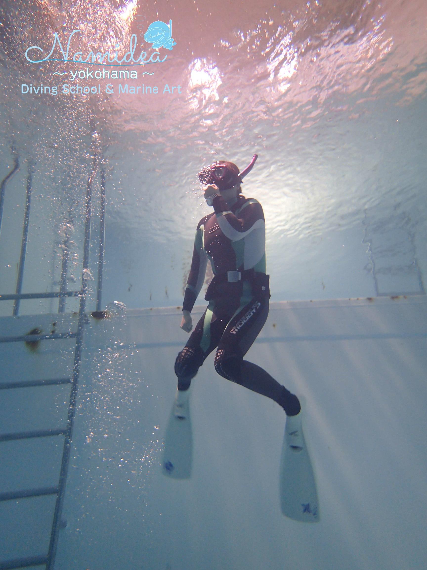 プールでOW(オープンウォーターダイバー)講習とドルフィンスイム練習